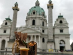 19. Platz | Handy | YO! (104) | Essen in Wien