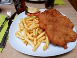 23. Place | Handy | leonieengl (625) | Eat in Vienna