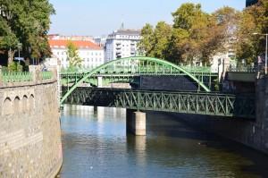 228. Place | Einzel | Daniela A. (311) | building bridges