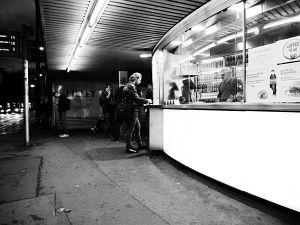 38. Place | Einzel | Robin L. (346) | Würstelstand romance