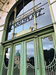 47. Place | Handy | Sinda (428) | around-across Karlsplatz