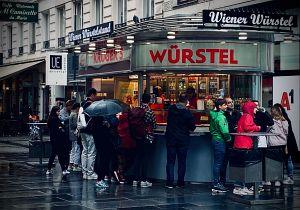 24. Place | Handy | WolfgangB (638) | Würstelstand romance